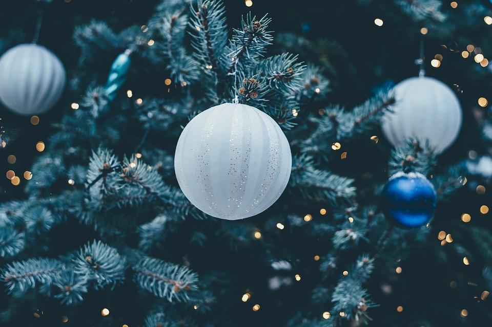 Albero Di Natale Con Decorazioni Blu : Come fare l albero di natale ecco le nuove e originali