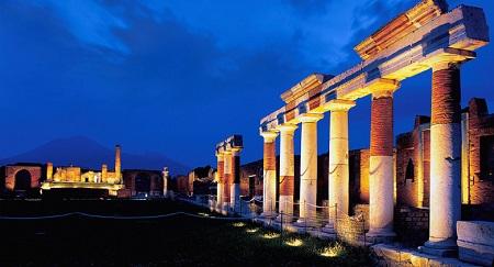 Virginia Raggi dice che Roma ha bisogno di altri soldi
