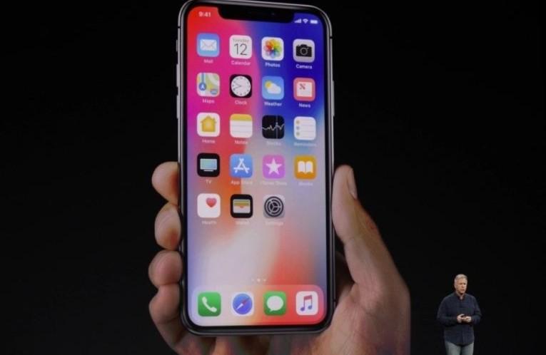 IPhone 8 Plus, nuovo caso di batteria gonfia questa volta in Italia