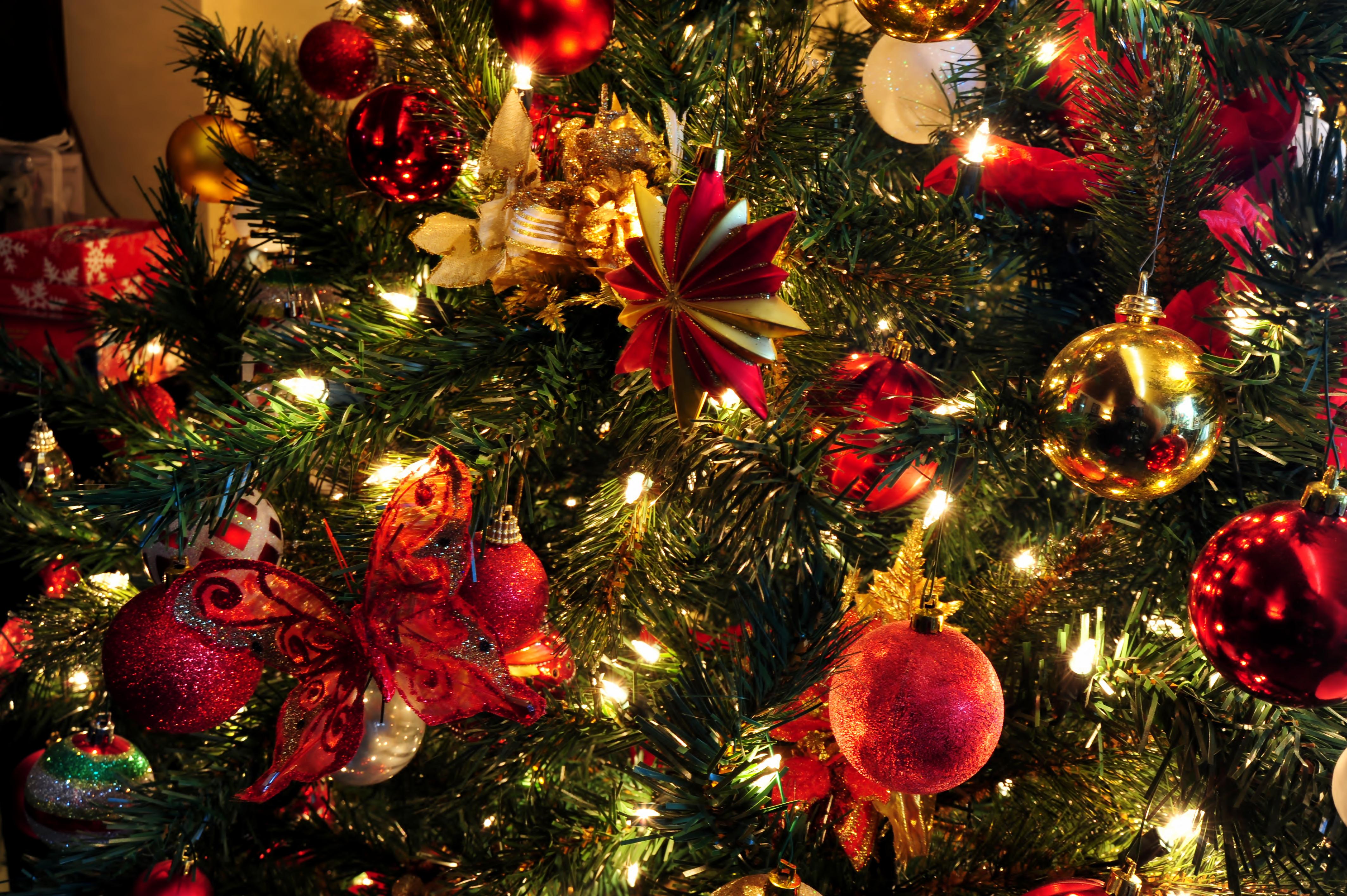 Albero Natale Decorato Rosso come fare l'albero di natale 2017? ecco le nuove e originali