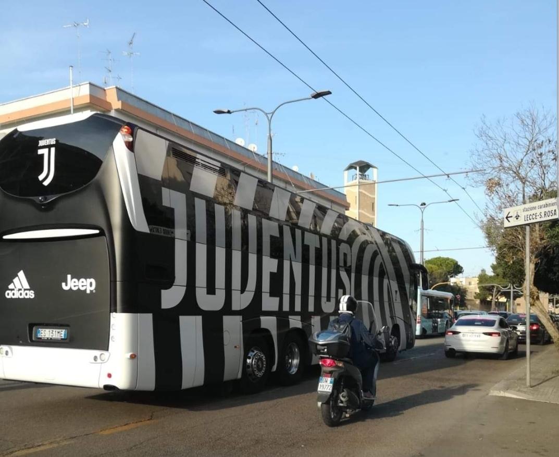 Juventus, Dybala accusato di simulazione: l'argentino risponde infastidito