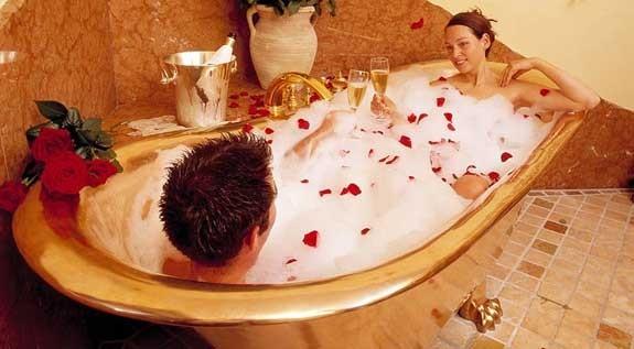 San valentino i 5 regali migliori per lei e per lui for Bagno romantico